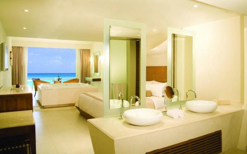 sun-palace-suite