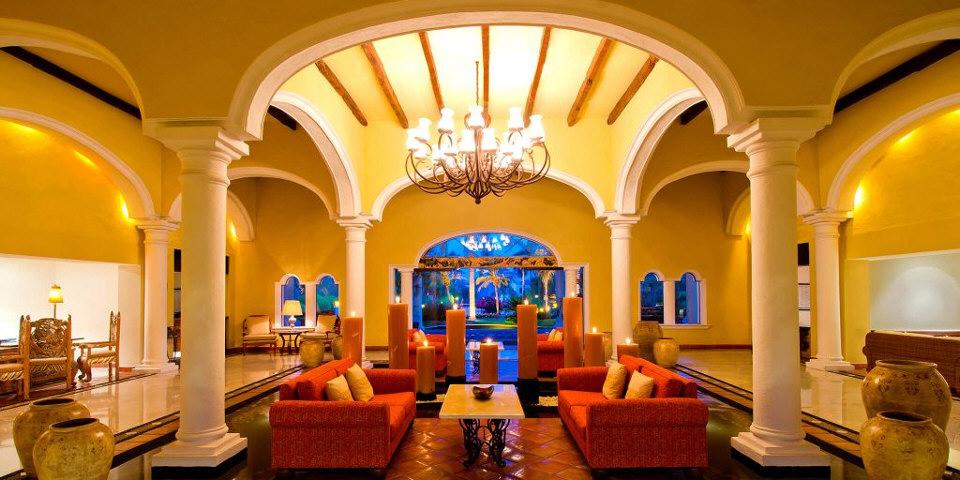 casa-velas-lobby