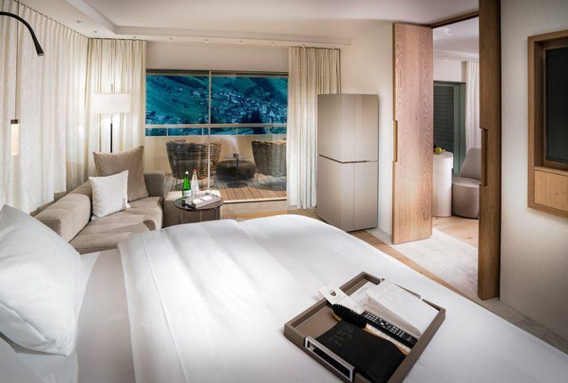 Luxury-Hotel-Suite