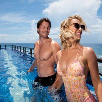 El-Dorado-Seaside-Suites-Couple