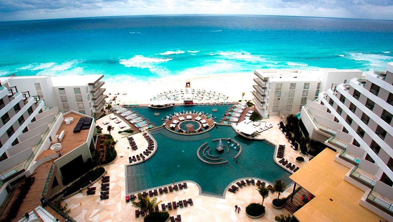 melody-maker Cancun