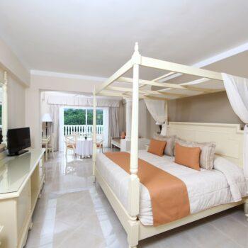 Luxury-Bahia-Principe-runaway-bay-King-Suite