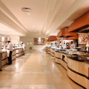 Luxury-Bahia-Principe-runaway-bay-dining