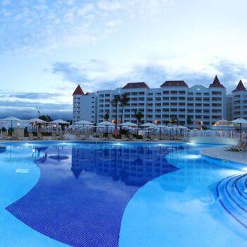 Luxury-Bahia-Principe-runaway-bay-pool-night