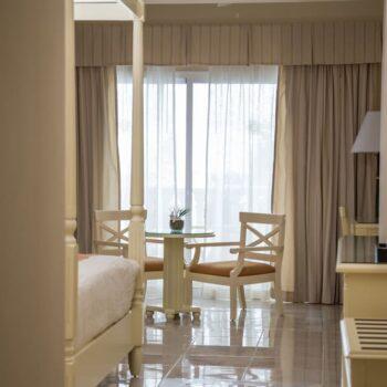 Luxury-Bahia-Principe-runaway-bay-room