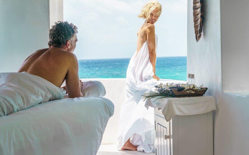 Couples+Resorts+Romance