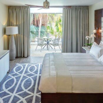 Floris_Luxury_Suites
