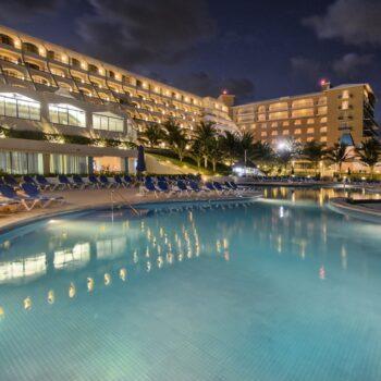 Golden-Parnassus-Resort-Night-View