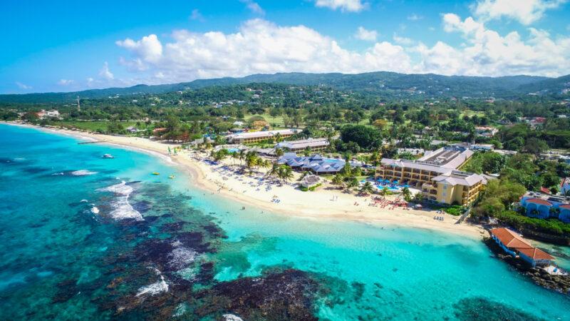 Jewel-Runaway-Bay-Beach-&-Golf-Resort