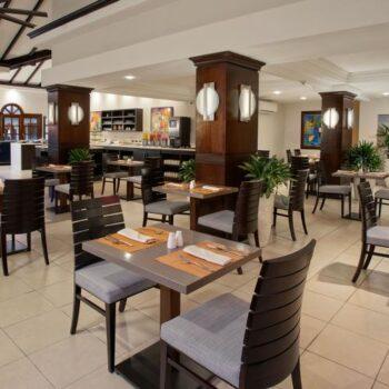 bucuti-tara-beach-resort-dining-room