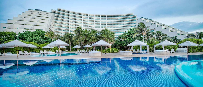 Adults-only-Live-Aqua-Resorts