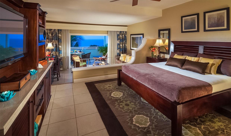 Beaches-Ocho-Rios-oceaview-veranda-suite