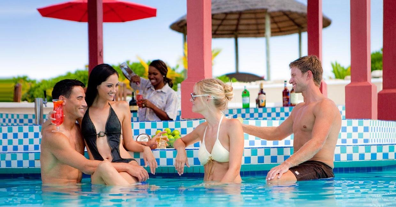 Sandals-Royal-Bahamian-Swimup-Bar