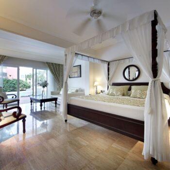 TRS-Turquesa-Hotel-Royal-Deluxe-Junior-Suite-swimup
