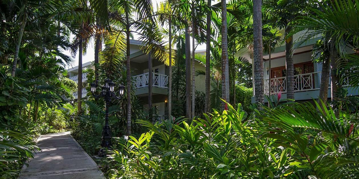 sandals-ochi-beach-resort-gardens